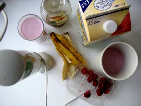 Himbeer-Bananen-Milch-Ingridients - Joghurt missing